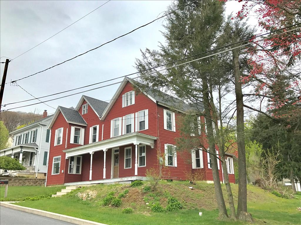 Photo of 330 New St  Walnutport  PA