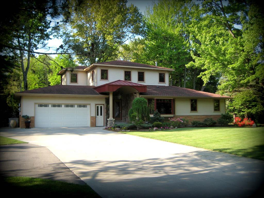16604  Port Sheldon St, West Olive, MI 49460