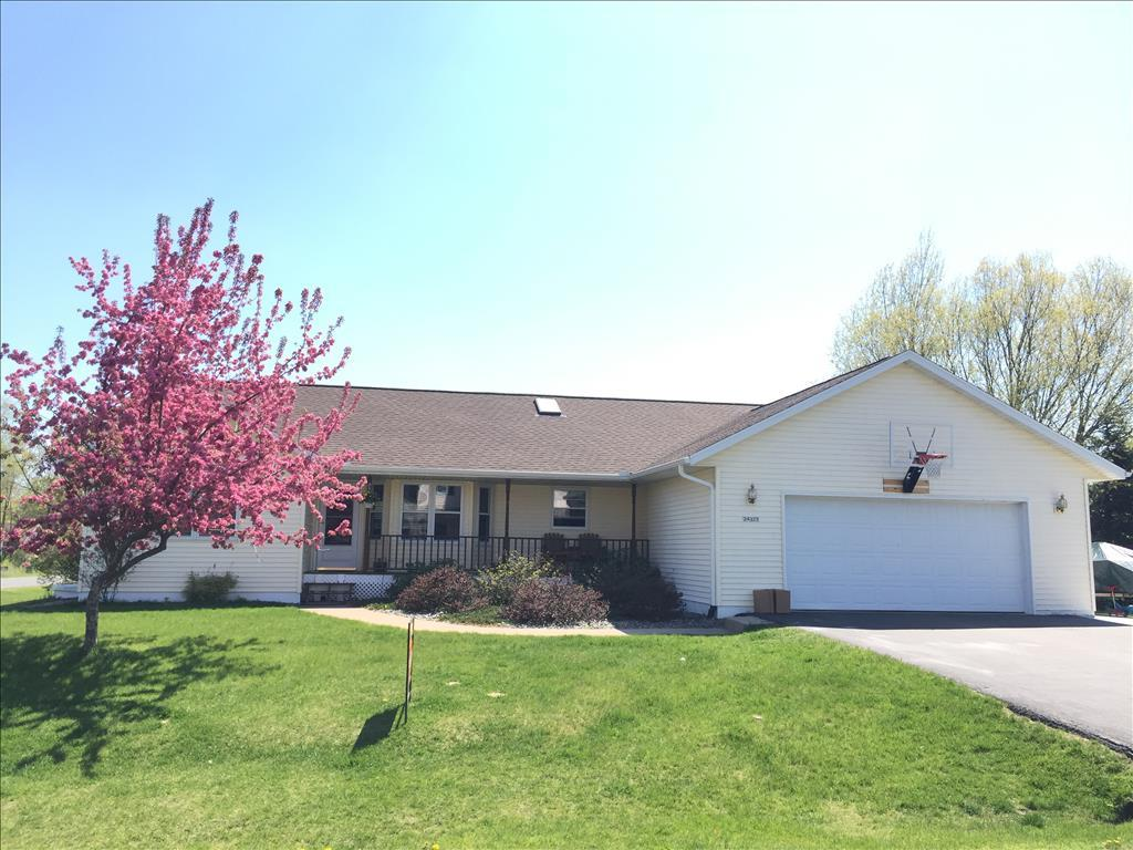 Photo of 24325 Cardinal Court  Trempealeau  WI
