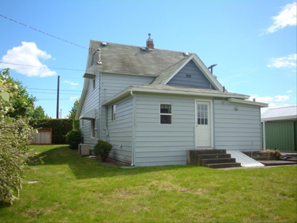 1304 Highland Ave, Clarkston, WA 99403