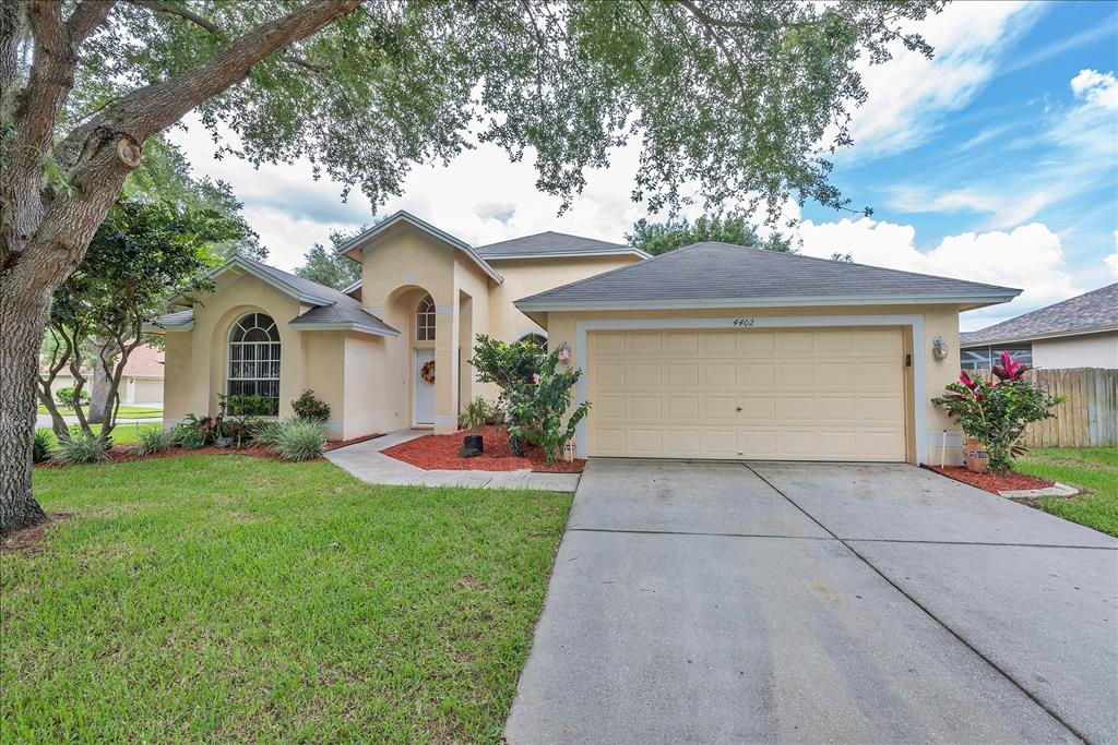 Photo of 4402 River Overlook Dr  Valrico  FL