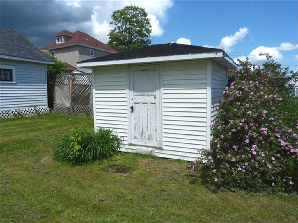 14 Bath St, Moncton, NB E1A 4