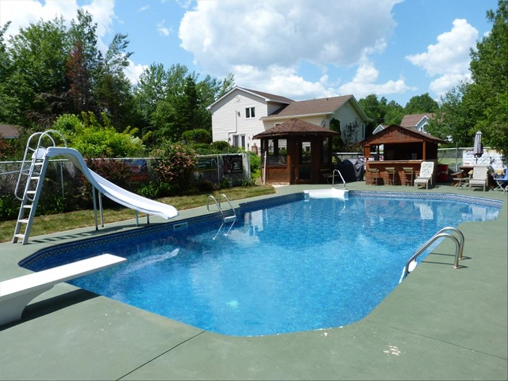 35 Manor Ridge Dr, Lower Coverdale, NB E1J 1