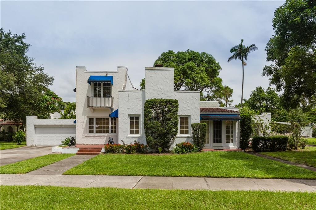 Photo of 1375 Alcazar Ave  Fort Myers  FL