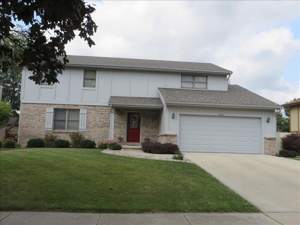 Photo of 2207 Willowtree Lane  Maumee  OH