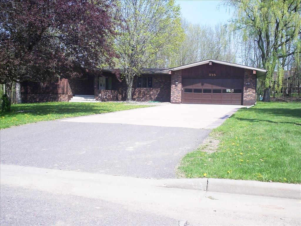 Photo of 333 Woodside Dr  Cornell  WI