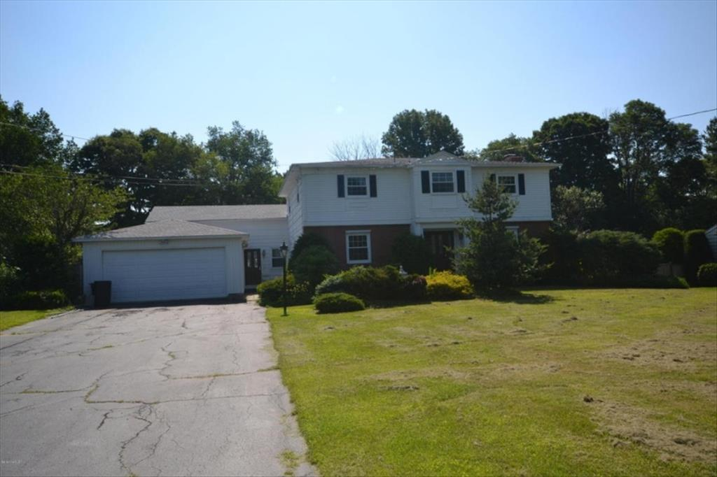 Photo of 115 Ann Dr  Pittsfield  MA