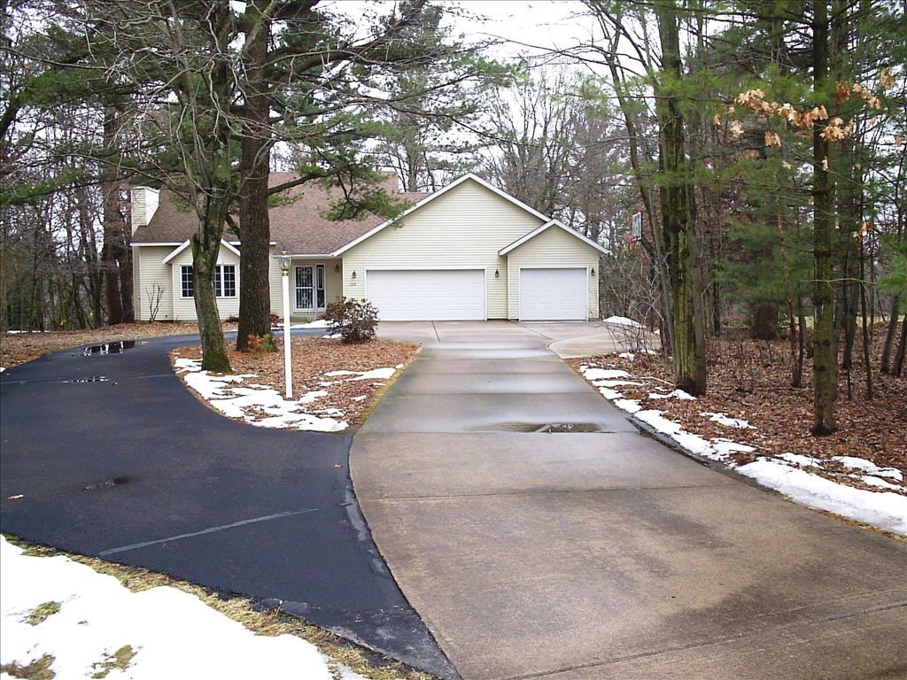 Photo of 1119  Windsor Forest Dr  Altoona  WI