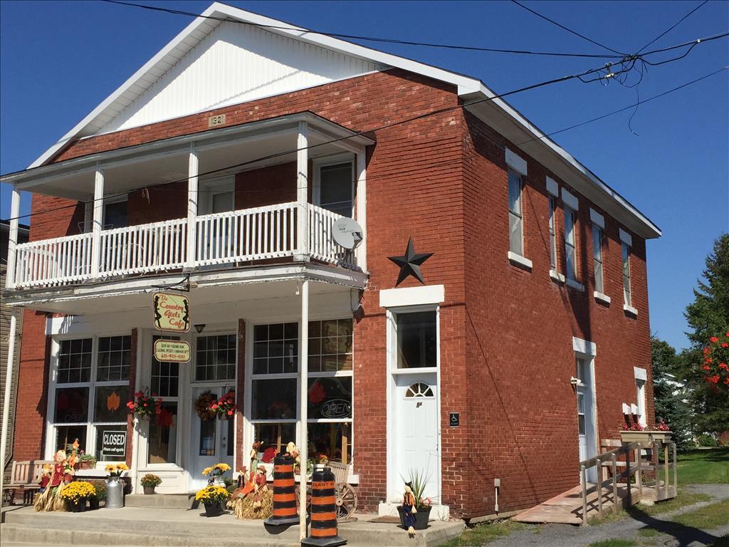 9 Main Street South, Maxville, ON K0C 1