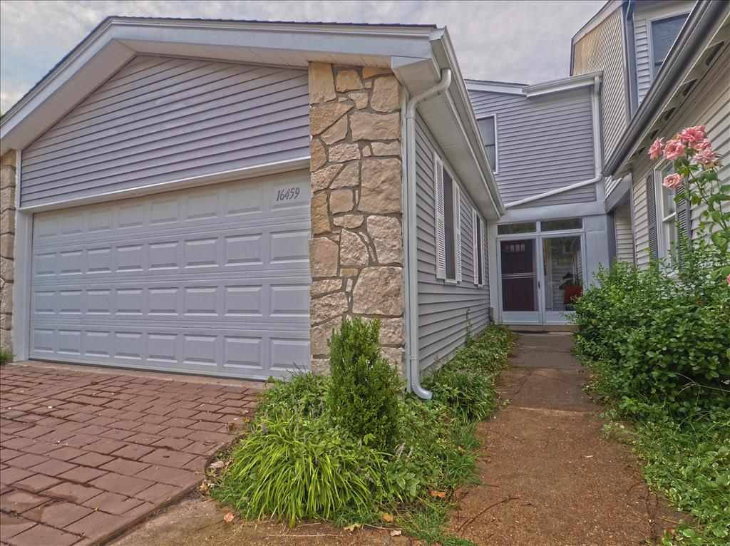 Photo of 16459 Cobbleskille Drive  Chesterfield  MO