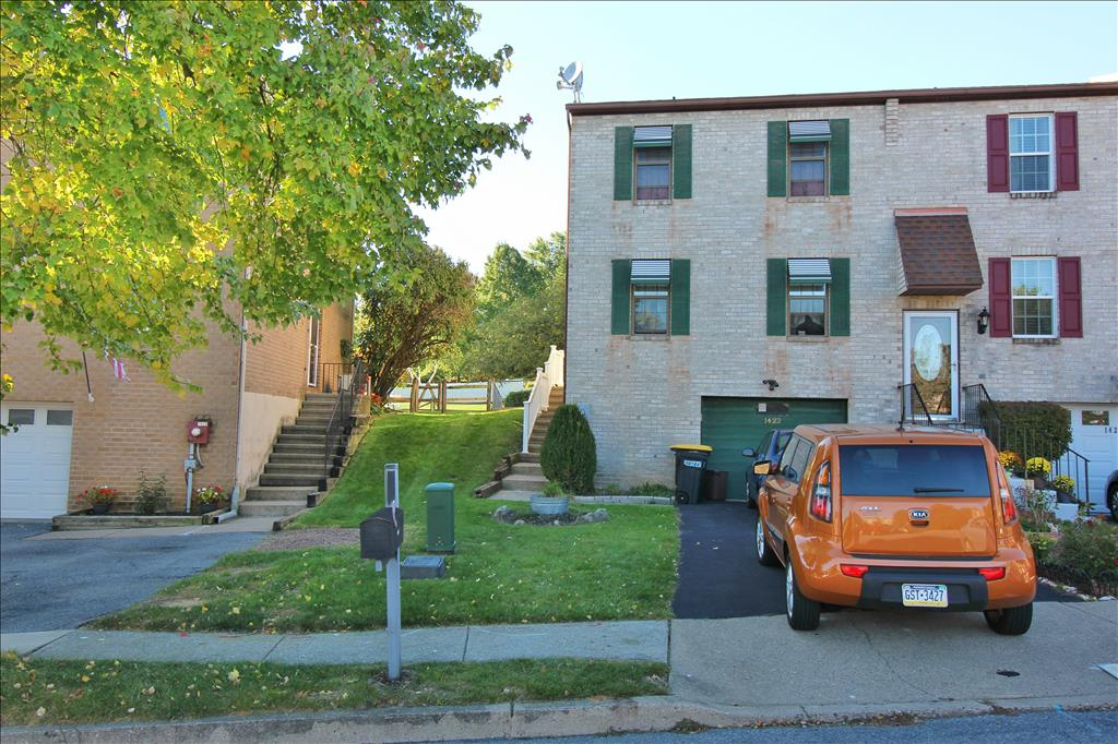Photo of 1422 Andrew Dr  Whitehall  PA