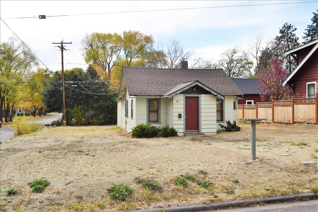 Photo of 305 NW Hunter Place  Bend  OR