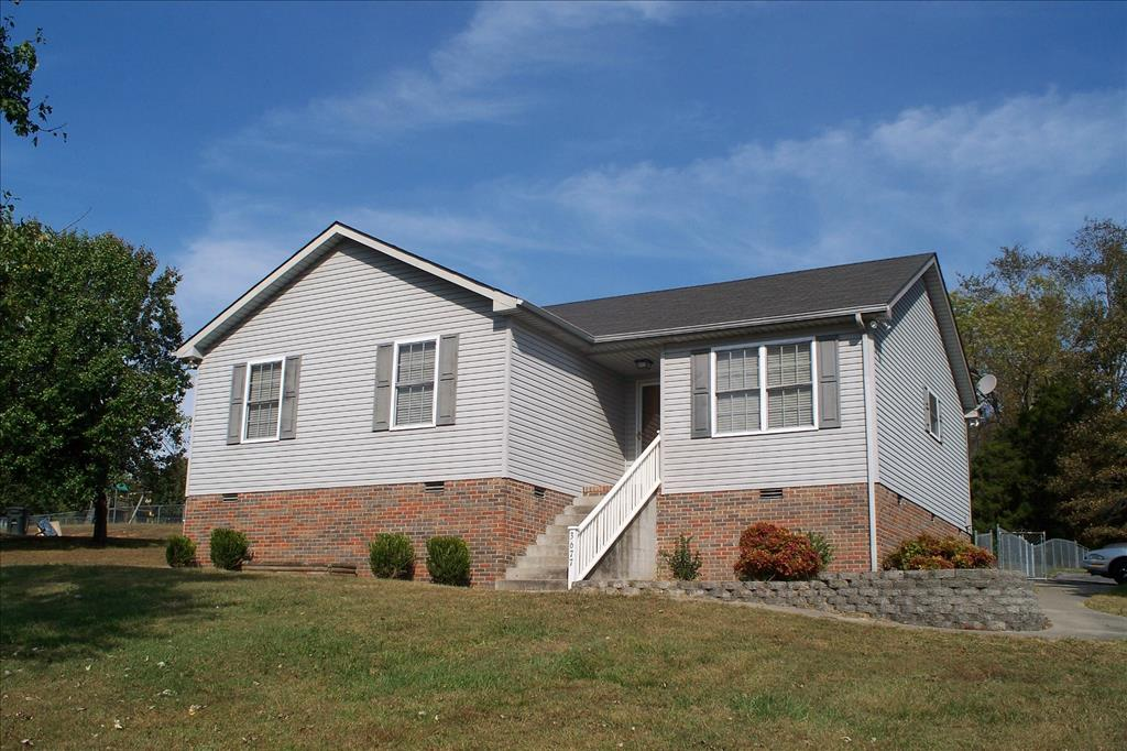 Photo of 3677 Armstrong Rd  Springfield  TN