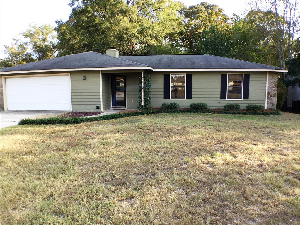 Photo of 408 Fieldstone Road  Warner Robins  GA