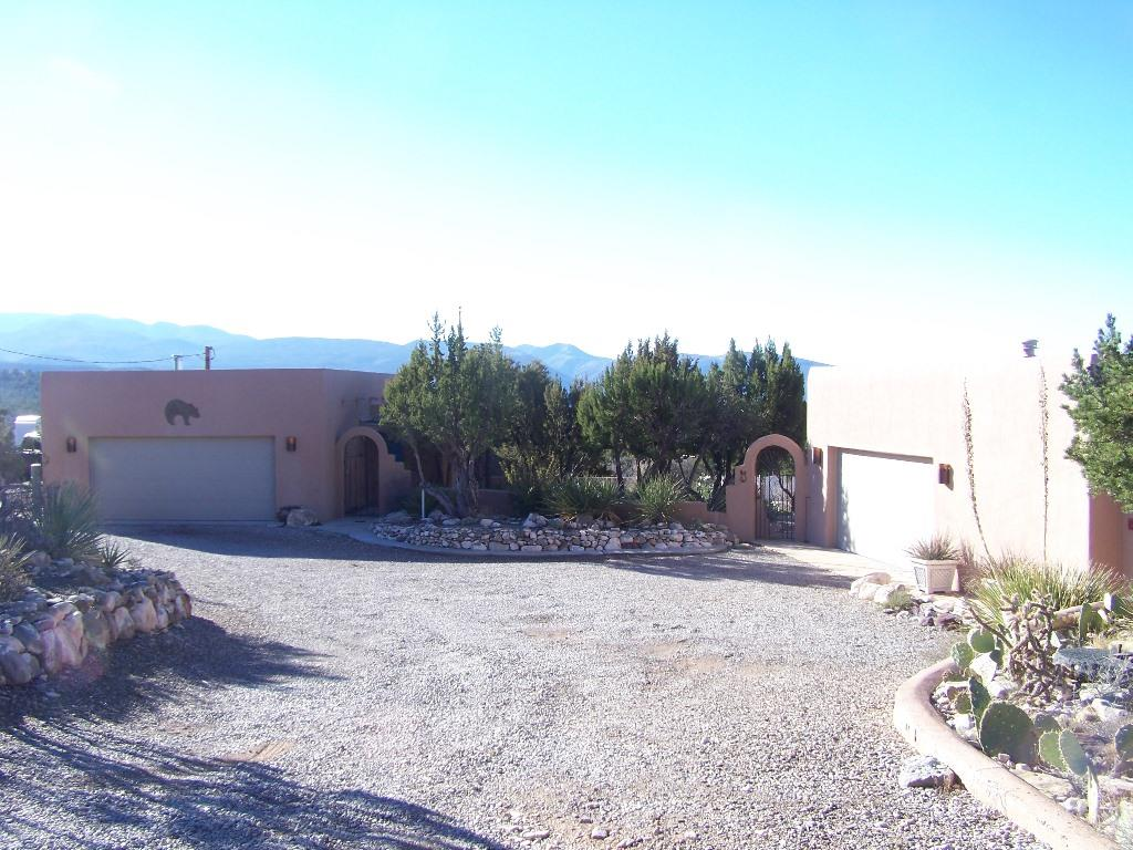 Photo of 5 Bear Grass  La Luz  NM