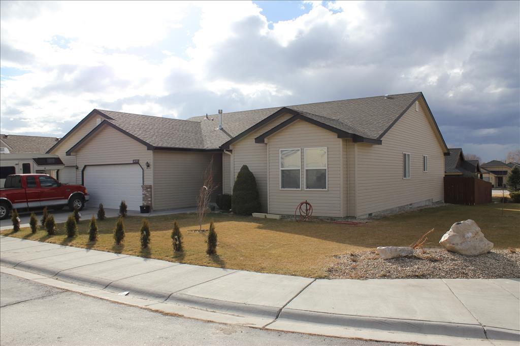 Photo of 1457 NE Cinder Loop  Mountain Home  ID