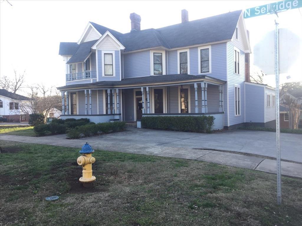 319 N Selvidge St, Dalton, GA 30720
