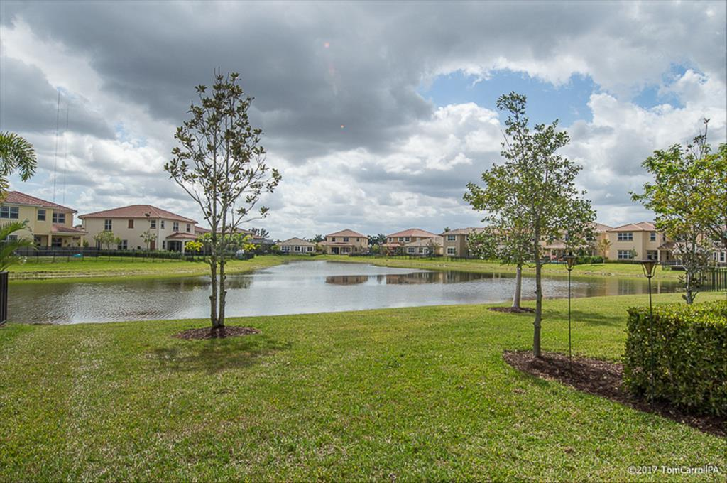 10310 Lake Vista Ct, Parkland, FL 33067