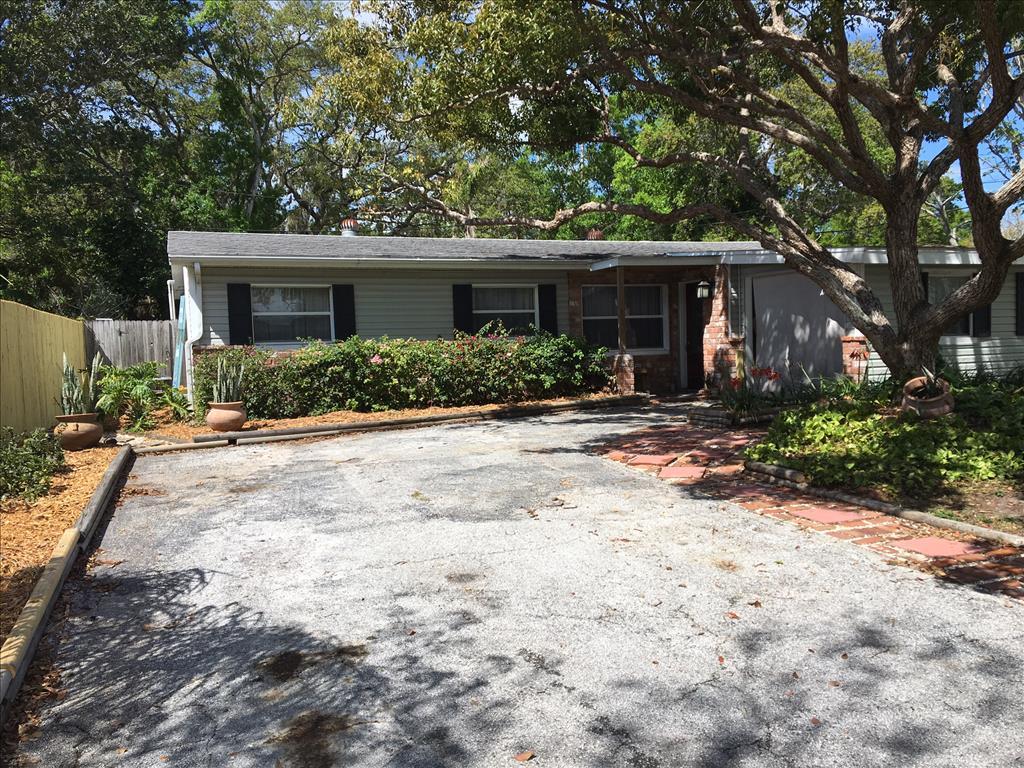 10990 111Th St , Seminole, FL 33778