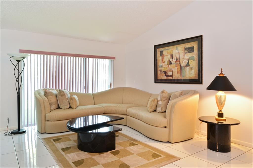 5338  Nw 99Th Way, Coral Springs, FL 33076