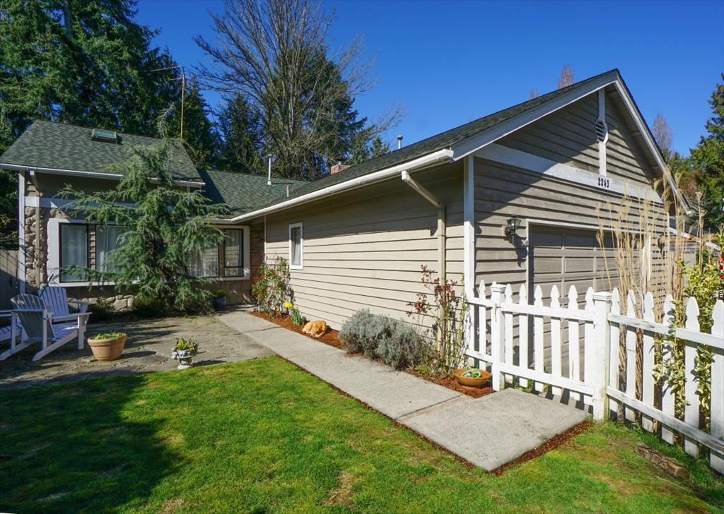 Photo of 2243 80th Ave SE  Mercer Island  WA
