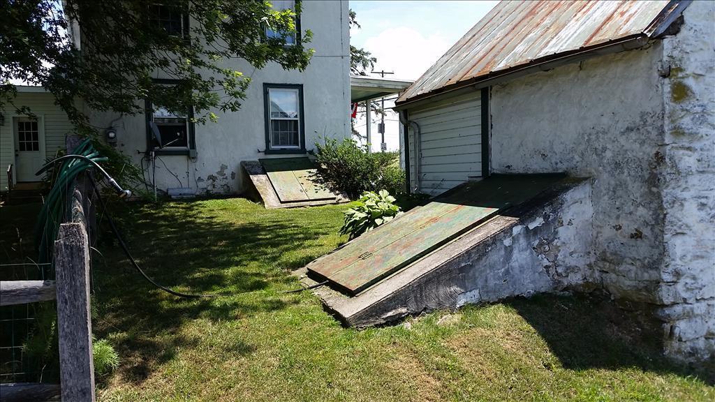 6924 Boyertown Pike, Douglassville, PA 19518
