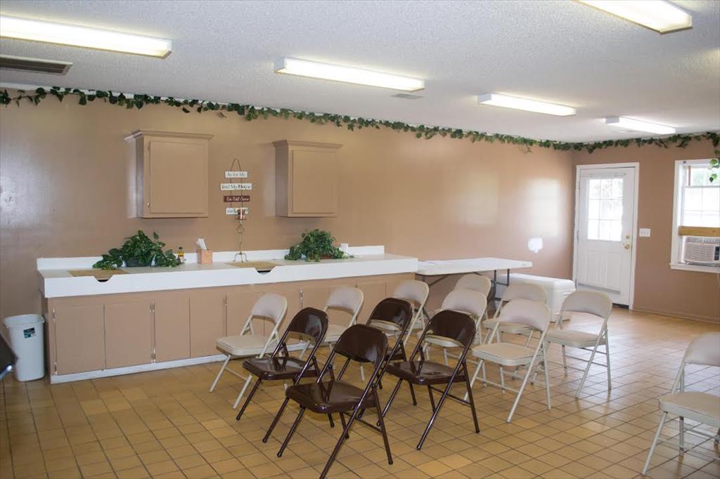 1037 Timmonsville Hwy, Darlington, SC 29532