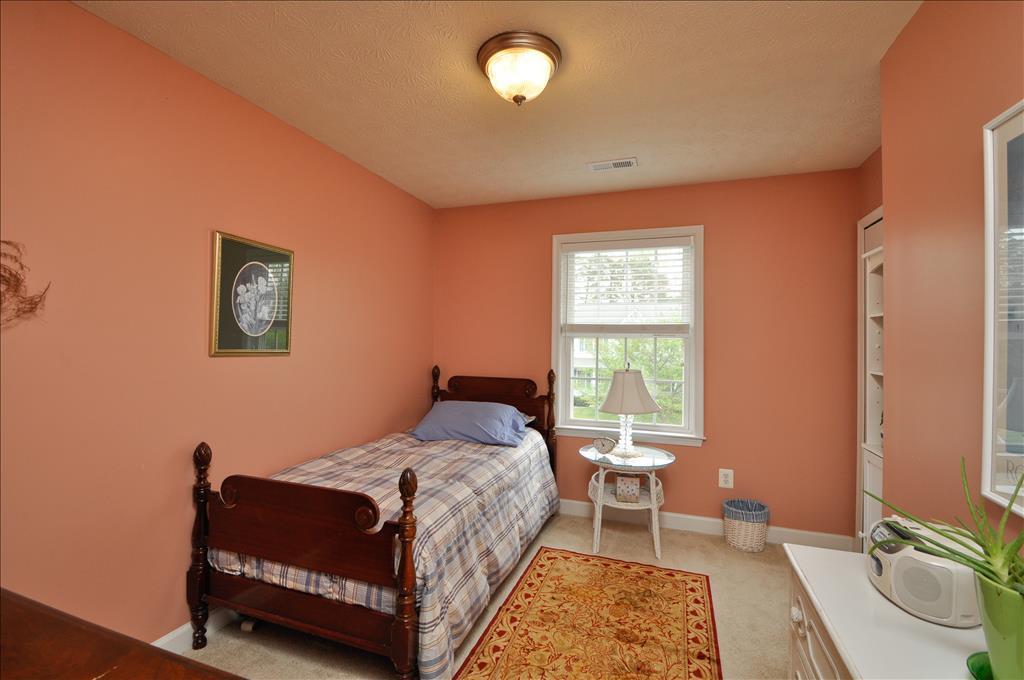 9806 Crimson Oaks Way, Fredericksburg, VA 22408