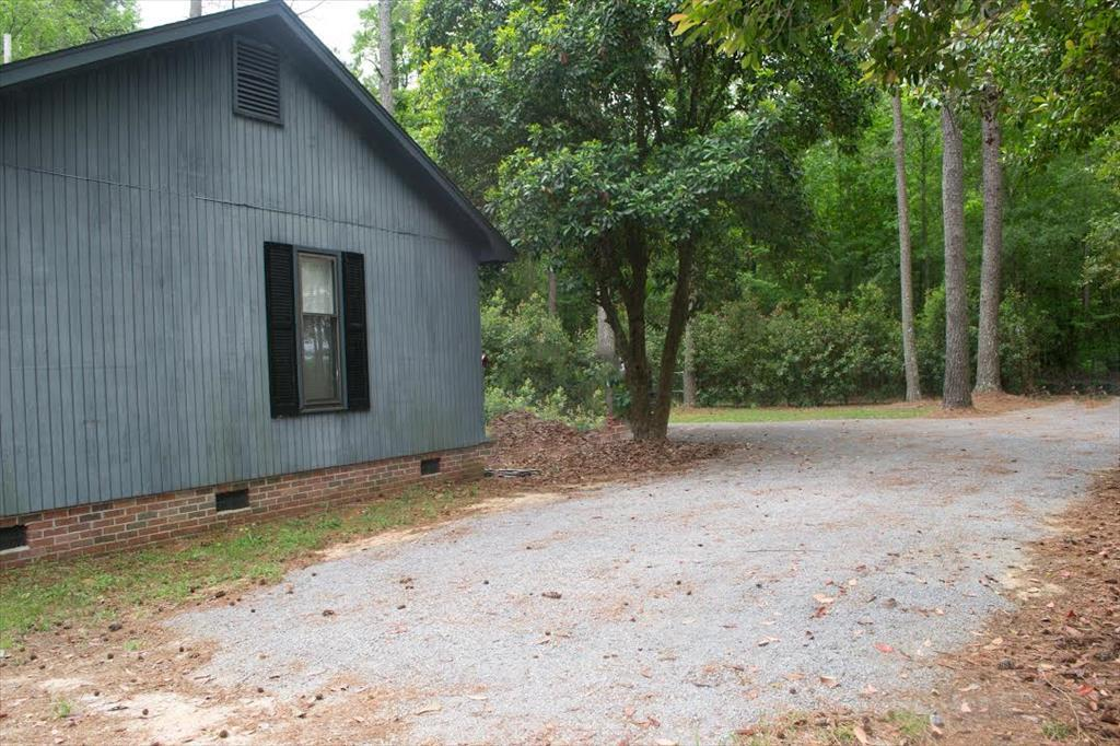 604 1/2 Linwood , Timmonsville, SC 29161