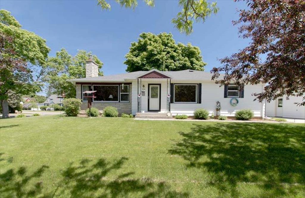 204 Harrison St, Marinette, WI, 54143 is for sale - $139,900