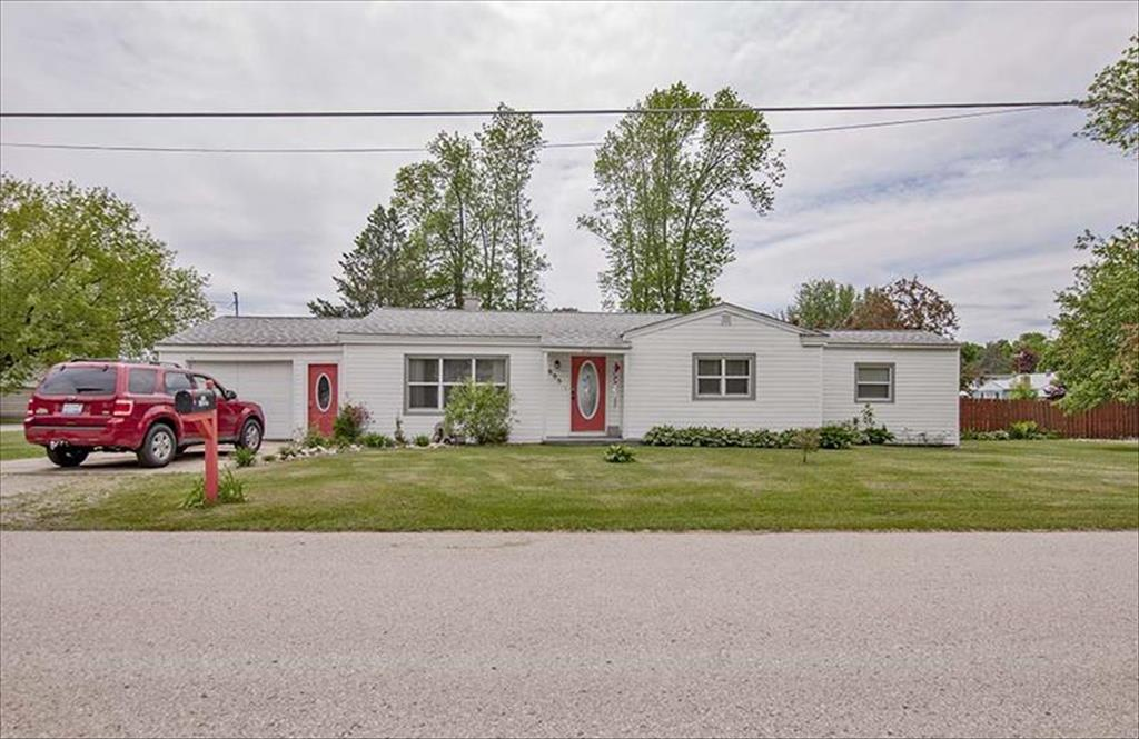 605 43rd Ave, Menominee, MI, 49858 is for sale - $69,900