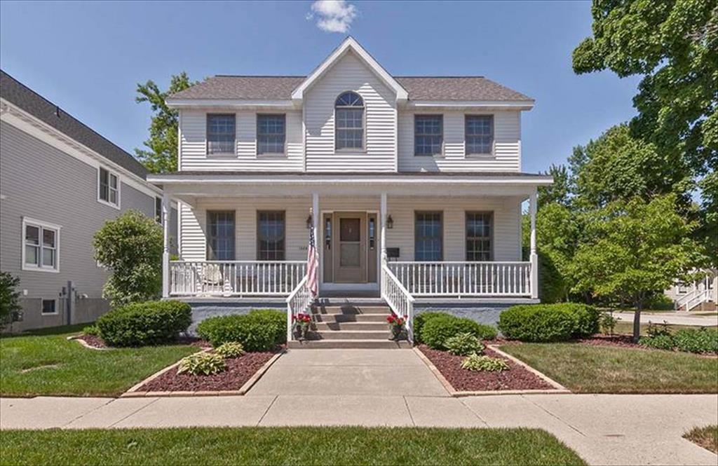 1529 1st St, Menominee, MI, 49858 is for sale - $269,900