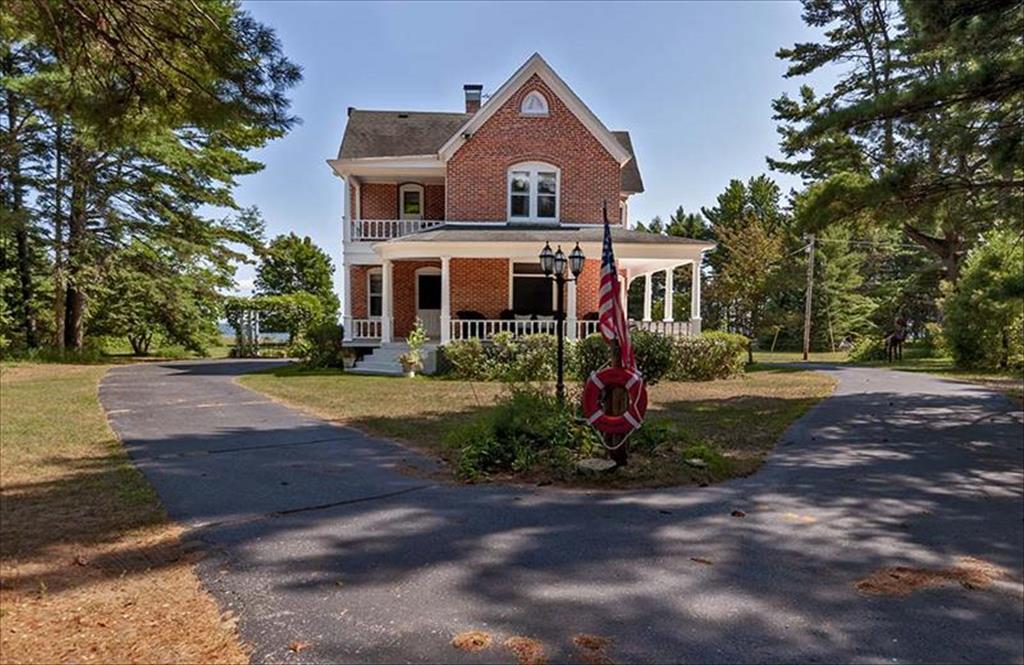 N5832 Hwy M35, Menominee, MI, 49858 is for sale - $449,000