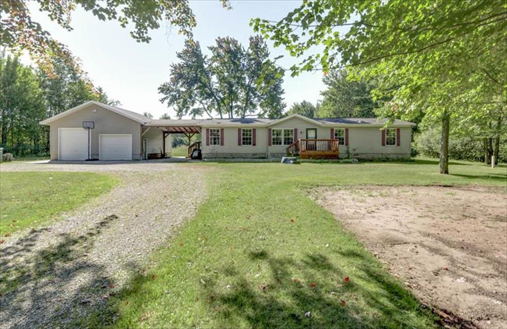 W977 Madsen Rd, Marinette, WI, 54143 is for sale - $199,900