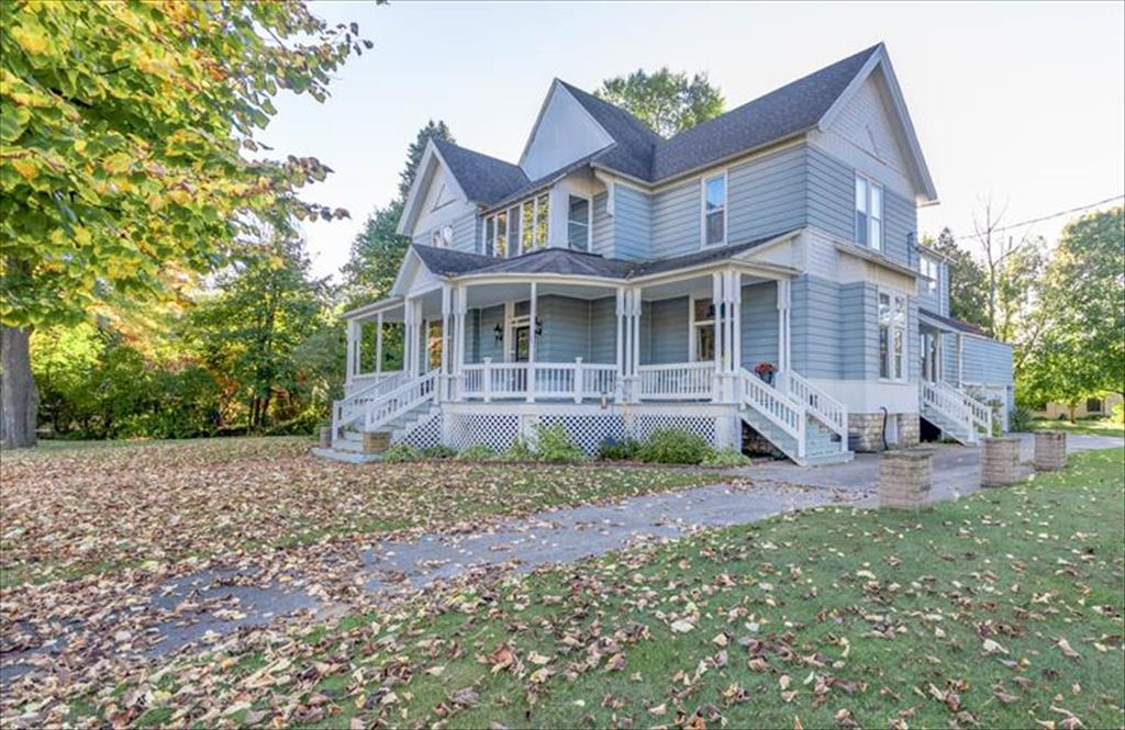 209 State St, Marinette, WI, 54143 is for sale - $299,900