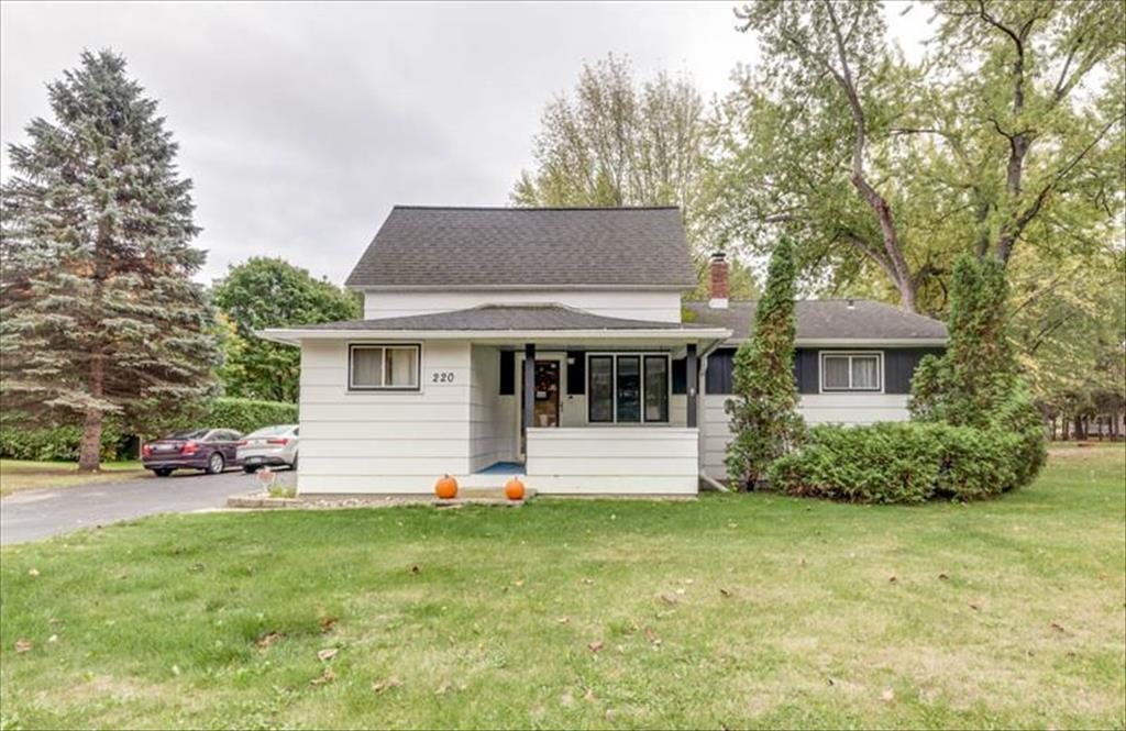 220 Columbia St, Oconto Falls, WI, 54154 is for sale - $154,900